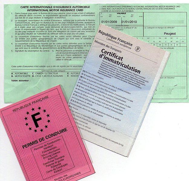 Les usagers peuvent désormais faire la demande d'un certificat d'immatriculation en ligne. Pour cela, deux options s'offrent aux propriétaires de véhicules.Ils peuvent effectuer les démarches concernant une carte grise sur le site de l'Agence Nationale des Titres Sécurisés ou via le service agréé de CG Officiel