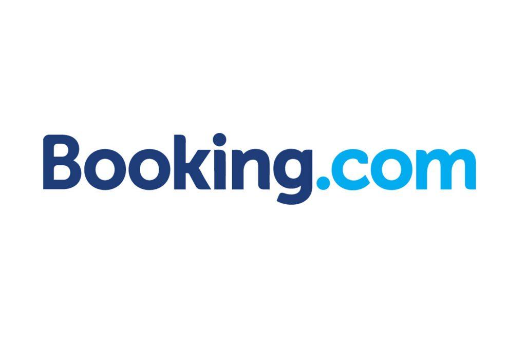 Comment joindre Booking.com pour une demande d'information concernant le fonctionnement du site ?